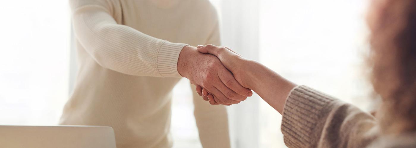 Podawanie dłoni