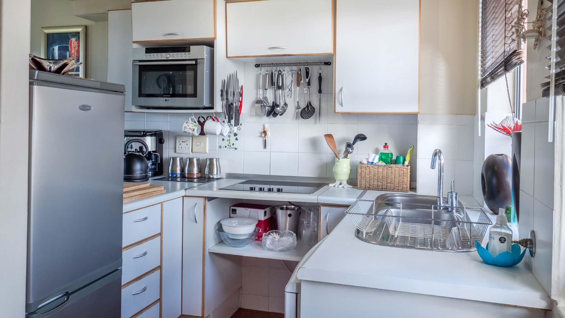 Mała kuchnia aranżacja, trendy i na co zwrócić uwagę przy planowaniu