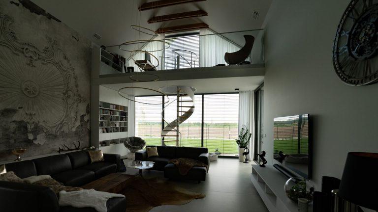 Okno trapezowe nowoczesna stodoła