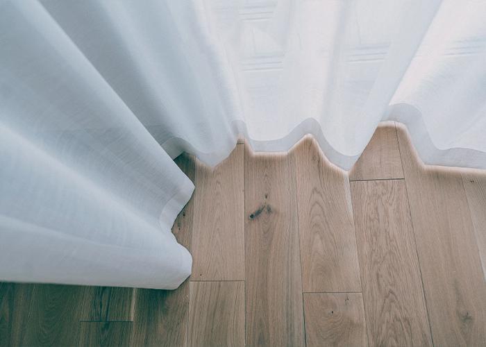 firana okienna sięgająca podłogi