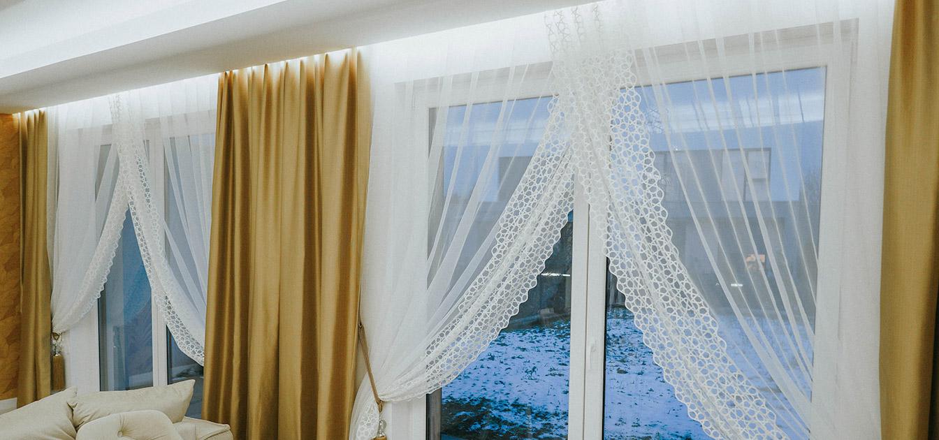 zbliżenie na okna tarasowe